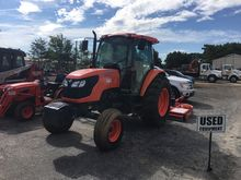 Kubota M8540 (2WD) Tractors