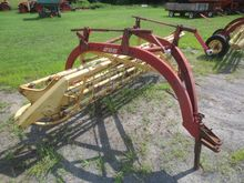 NEW HOLLAND 256 Rakes