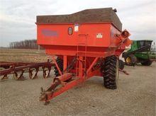 KILLBROS 475 Grain carts