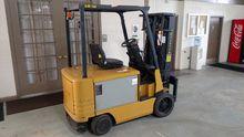 CAT Lift Trucks 2EC30 Forklifts
