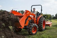 2017 Kubota MX5800HST Tractors