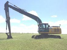 2013 DEERE 250G LC Excavators