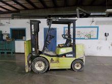 1997 CLARK CMP25 Forklifts