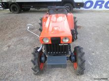 Kubota B 6000 with a fender '00