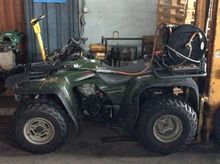 Kawasaki KLF300 2x4 Quad met on
