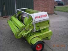 Used Claas pick-up p