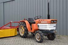 Kubota B1600 mini-tractor