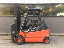 Used 2001 Linde E30-