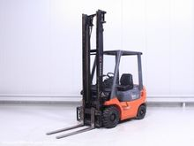 Used 2000 Toyota 02