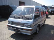 1991 Mitsubishi L300 minibus pe