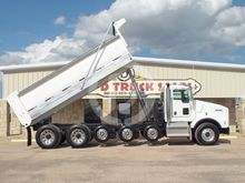 2015 KENWORTH T800 WITH 19' DEM