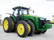 2013 John Deere 8235R