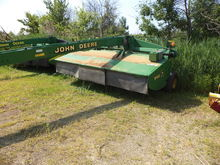 2001 John Deere 946
