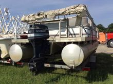 Sweetwater 20' Pontoon Boat, wi