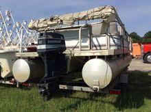 Sweetwater 20' Pontoon Boat, wi
