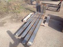 Forklift forks (4)
