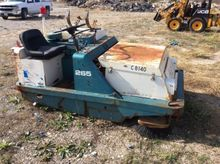 Tennant 265 Riding Sweeper, s/n
