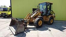 2005 CAT 906