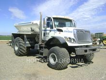 2011 INTERNATIONAL TRUCKS 7400