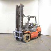 2002 TOYOTA 02-7FG35 Forklift t