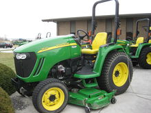 John Deere 3520 Compact Tractor