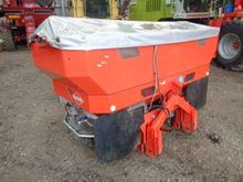Kuhn Axis 40.1W 24-36M Fertilis