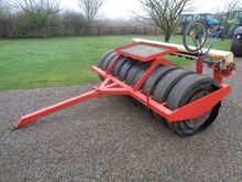 Sumo 3M Trailed Tyre press