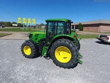 2015 John Deere 6105M