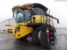 2009 New Holland CR9070