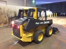 2014 John Deere 318E