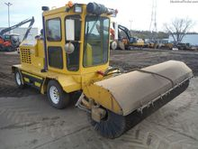 2012 Superior Broom SM80J