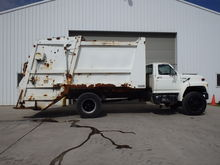 Ford F700 Garbage Truck