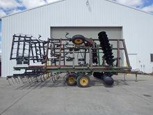 JD 722 Soil Finisher
