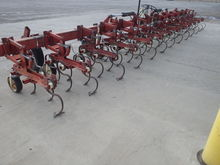 Noble Row Runner Cultivator