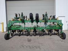 JD 845 Cultivator