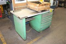 WORKBENCH WITH 8-DRAWER TOOL CA