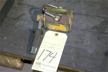 MAGNETIC PLATE LIFT, 200 lb. ca