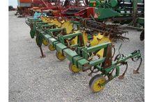 JD 825 6x30 row crop cultivator