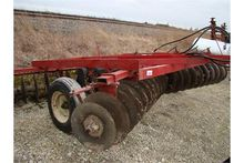 IH 37 disk, 14' with implement
