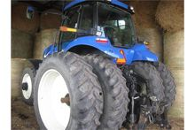 2008 NH T8010 tractor FWA front