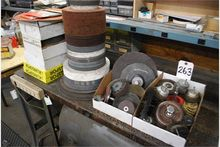 LOT: ASSORTED ABRASIVE SANDING