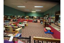 {LOT} In Childrens Play Area c/