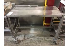 TABLE MOBILE ACIER INOX 49 X 24