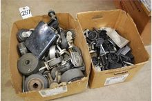LOT: ASSORTED CASTERS & LEVELIN