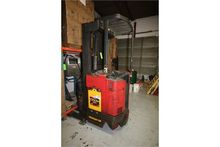 Raymond Stand-Up Forklift, M/N