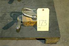 MAGNETIC PLATE LIFT, 600 lb. ca