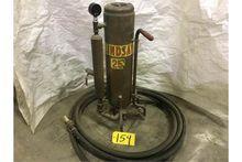 Used Sand blast pot