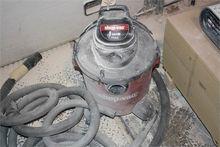 8 Gallon Shop Vac and hoses