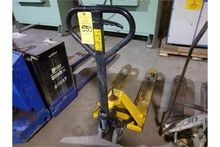 Lifter short and narrow pallet