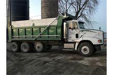 1997 Freightliner dump truck w/